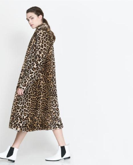 Abrigo pelo leopardo Zara 79,95 €