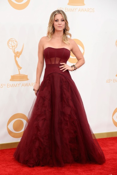 kaley_cuoco_emmy_2013