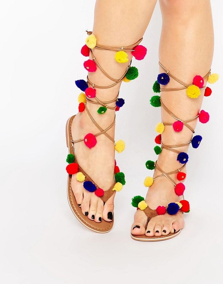 asos pompones sandalias