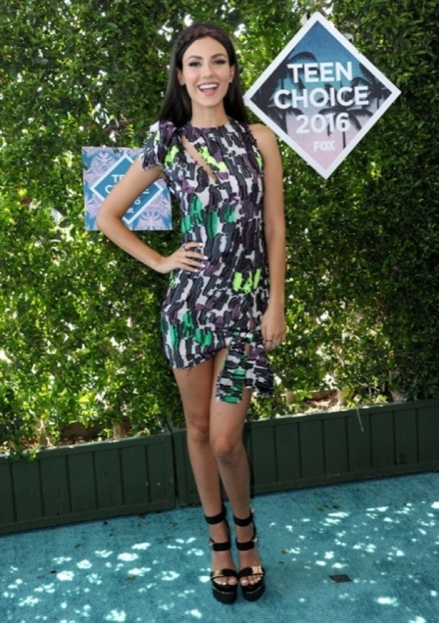 Victoria Justice teen choice awards