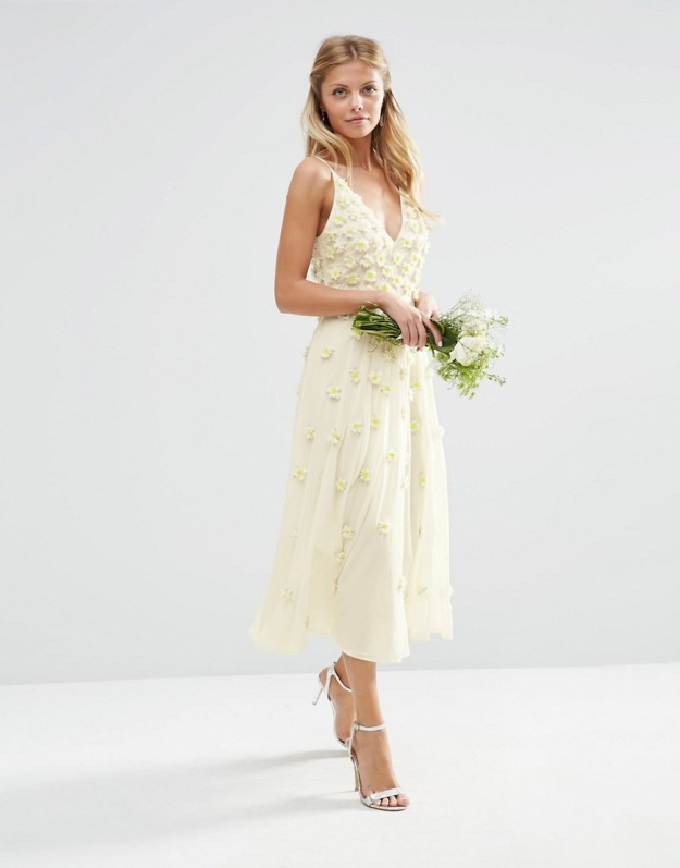 vestido blanco media pierna novia