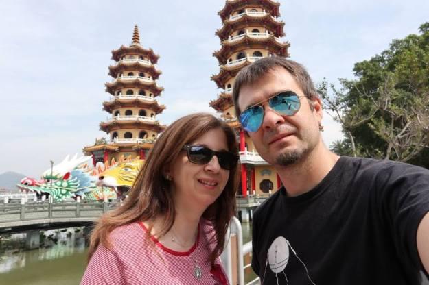 pagodas dragon y tigre kaoshiung