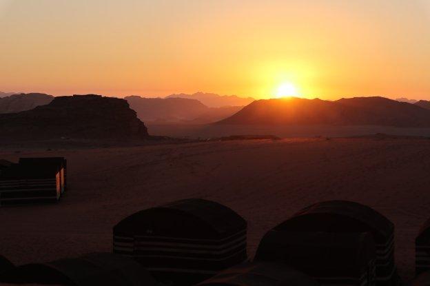 atardece en wadi rum