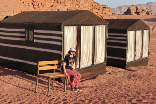 dormir una noche en el desierto Wadi Rum en un campamento