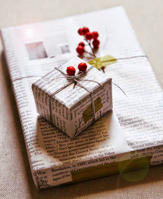 regalo envuelto papel periodico